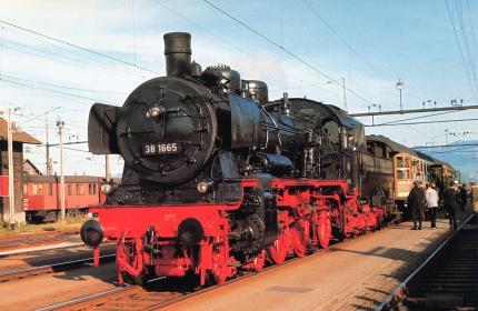 Personenzug-Dampflokomotive